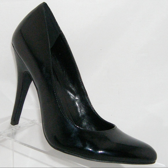 685d1aaef99 ALDO Shoes - ALDO black patent leather almond toe heel 7.5 EU38